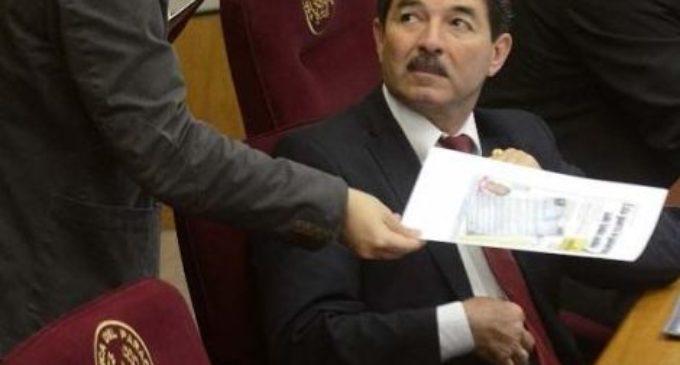 """""""Esta plasmado en el proyecto enmienda que 6 meses antes renunciaría Cartes"""""""