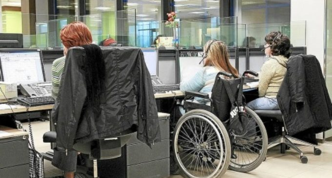 Ofrecen trabajo a personas con capacidades diferentes