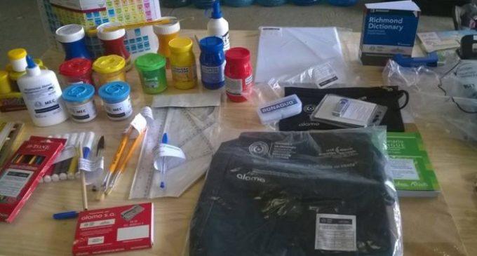 Denuncian irregularidades en entrega de kits escolares