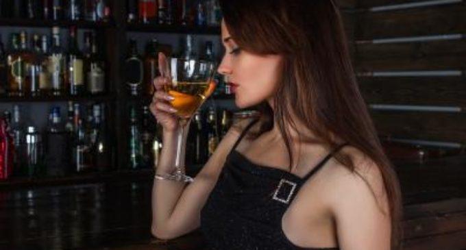 El peligro de mezclar alcohol y bebidas energéticas