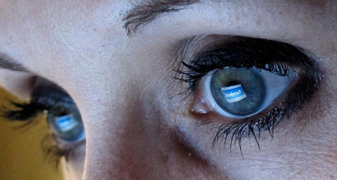 Cómo Facebook 'hackea' su cerebro