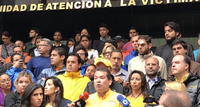 """Opositores denuncian que dirigentes detenidos """"por actos terroristas"""" fueron torturados por Inteligencia chavista"""
