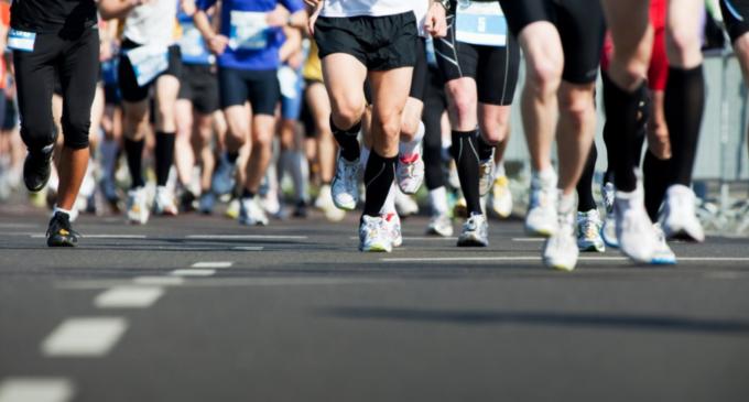 Correr maratones podría dañarte los riñones