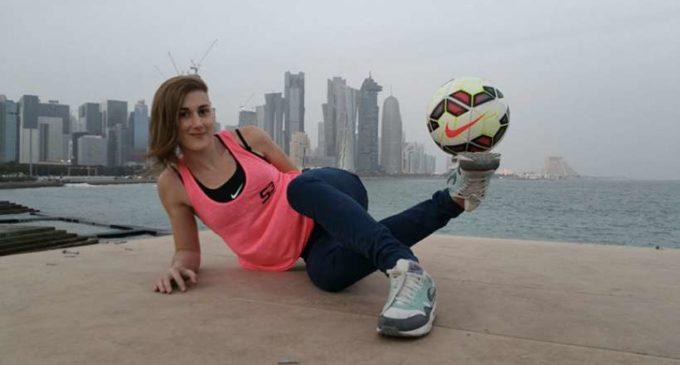Quién es Melody Donchet, la maga de la pelota que cautiva al mundo con sus destrezas