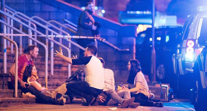 Policía británica confirmó que el autor del atentado de Manchester murió accionando una bomba casera