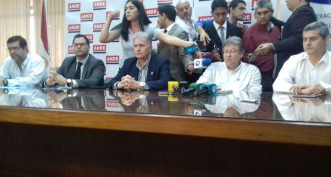 Conferencia de prensa sobre los cortes de energía tras el temporal