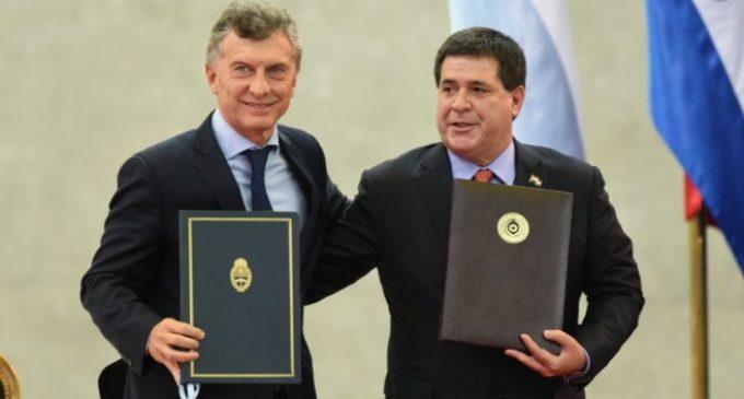 "Federico Franco dice que Cartes firmó acuerdo ""para que florezca contrabando de cigarrillos"""