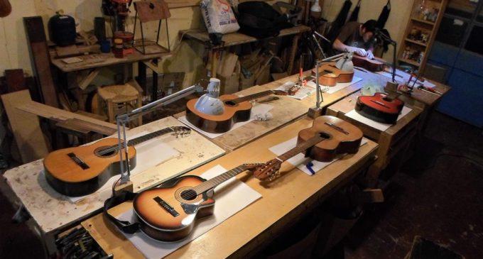 """Internos del Centro Educativo """"La Esperanza"""" aprenderán a fabricar guitarras en Taller de Luthería"""