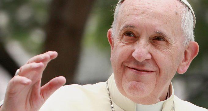 """El Papa rechaza al cura autosuficiente, el """"sacerdote google o wikipedia"""""""