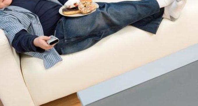 Instan a no excederse con los alimentos en el frío para evitar sobrepeso