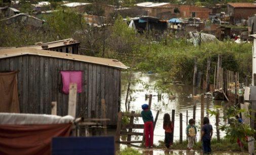 Caída de commodities, se reflejan en índices de pobreza