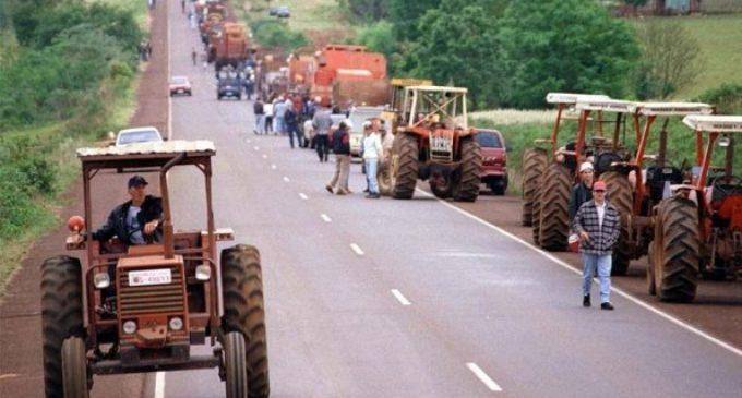 """Preparan """"tractorazo"""" contra impuesto a la soja"""