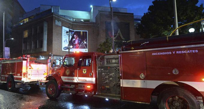 Tres muertos y 9 heridos deja atentado terrorista en un centro comercial de Bogotá