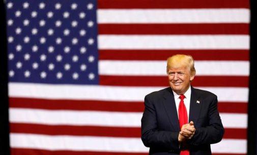 Donald Trump ahora dice que el muro con México será de paneles solares