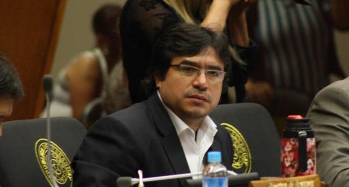 Diputado J.J. Ríos plantea acción contra resolución que lo destituyó del Consejo de la Magistratura