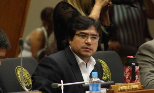 Consejo de la Magistratura advierte que parará actividades si oficialismo remueve a diputado J.J. Ríos