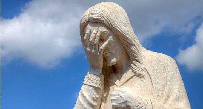 Publicó una foto de Jesús con su cara y lo enjuiciaron