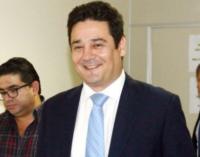 Suspendió su audiencia con la Fiscalía por reposo, pero viajó a Uruguay