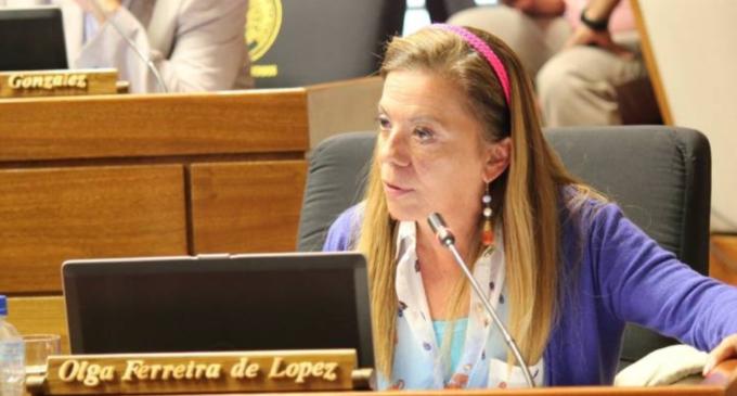 Cartistas van por la presidencia de Olga Ferreira