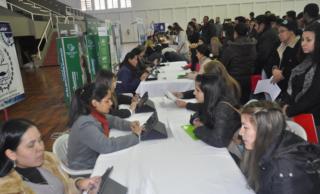 Realizarán feria de empleos en la Chacarita