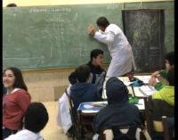 """Profesor enseña Matemáticas al ritmo de """"Despacito"""""""