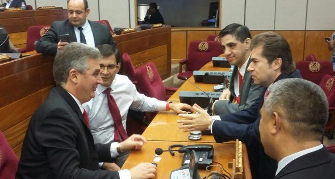 Cartistas y aliados se ausentan en la última sesión presidida por Acevedo