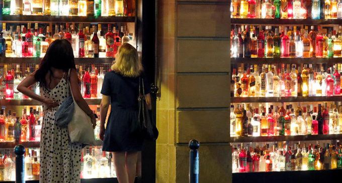 Estudio: Europeos ponen en riesgo su vida por sus hábitos de consumo de alcohol