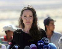 Angelina Jolie acusada de crueldad infantil