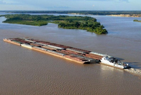 Argentina cobrará peajes a embarcaciones paraguayas