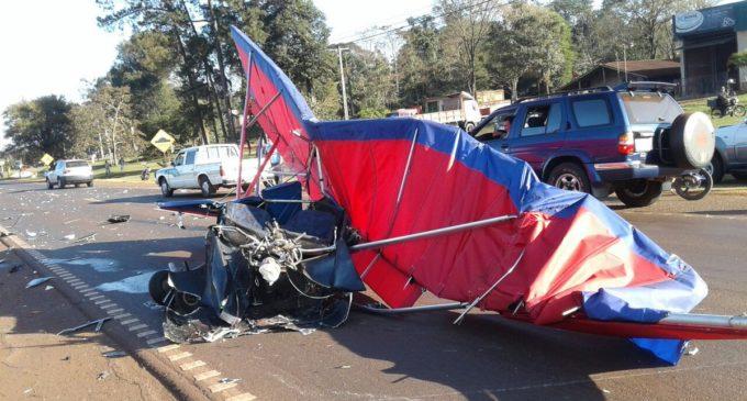 [VIDEO] Avioneta sufrió fallas al despegar y embistió con un camión