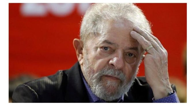 El expresidente de Brasil Lula da Silva es condenado a 9 años y medio de prisión