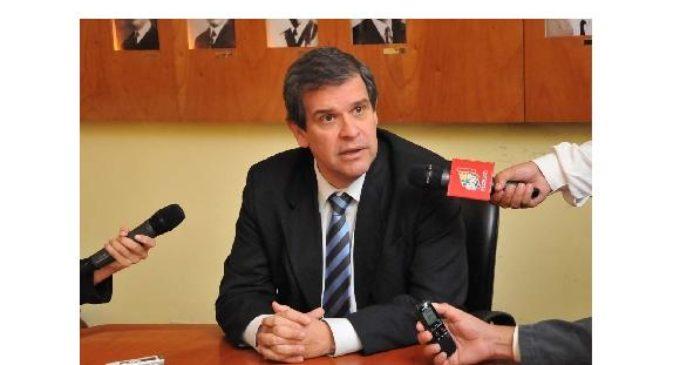 Paraguay es un país condenado al éxito económico, dice exministro de Hacienda