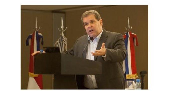 Principal variable que pone en riesgo la estabilidad macro es el déficit fiscal, según Manuel Ferreira