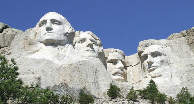 El monumento indígena que superará al Monte Rushmore