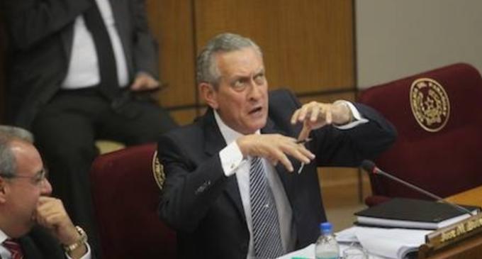 """Senador víctima de robo: """"Me siento violado"""""""
