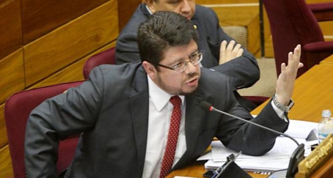 Enmienda no corre, dice Pipo Alfonso y cuestiona a periodistas