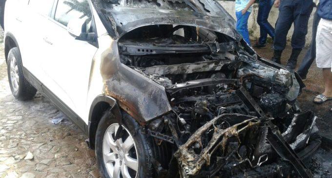 Sospechan que quema de camioneta de concejala de Guairá tiene trasfondo político