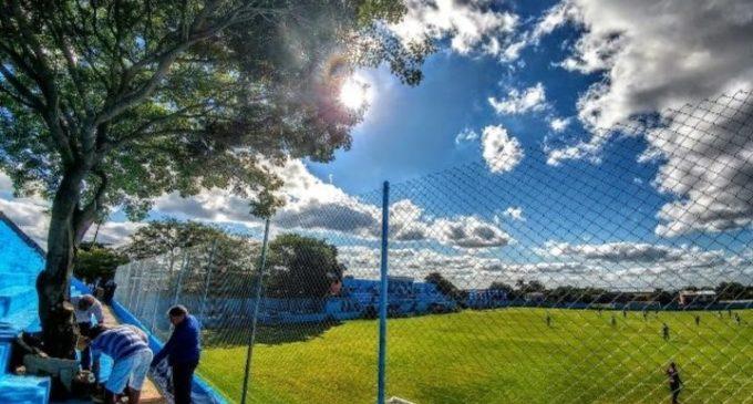 El club Resistencia entregará a un árbol carnet de socio y camiseta de fútbol