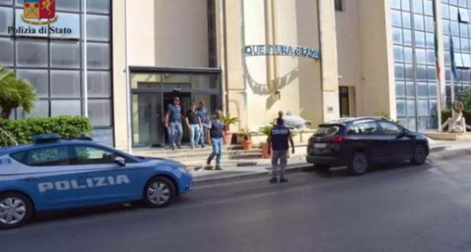 Escándalo en Italia: acusaron a 15 bomberos pirómanos de estafar a comunidad