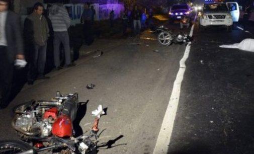 """Carrera fatal: Motociclista murió tras """"jugar"""" carrera"""