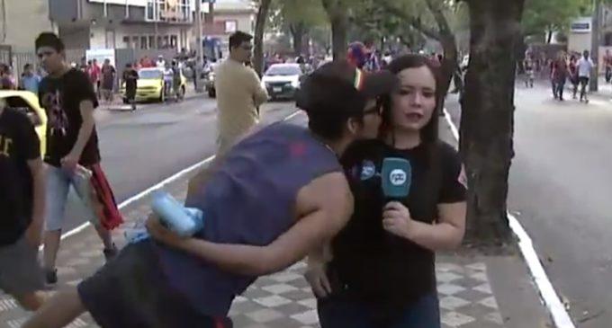"""Periodista acosada por hinchas: """"Me sentí invadida en mi privacidad"""""""