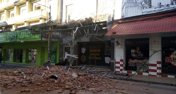 Derrumbe de antigua casa en centro capitalino se debió a termitas