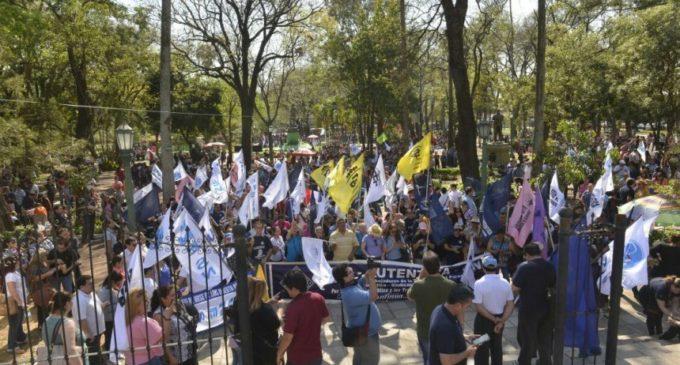 Pretenden alcanzar casi 80 mil docentes para mañana, en segundo día de huelga