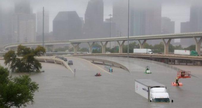 """""""La inundación más devastadora en la historia de Houston"""": emergencia en Texas tras el paso del huracán Harvey"""