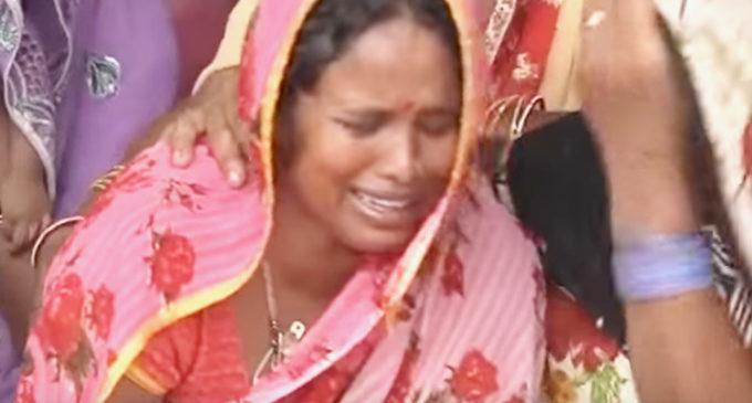 """""""Desgarrador"""": Decenas de niños mueren en hospital indio al cortarse el suministro de oxígeno"""