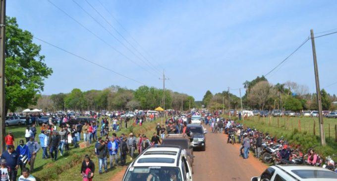 Miles de pequeños mineros marcharon en Paso Yobái