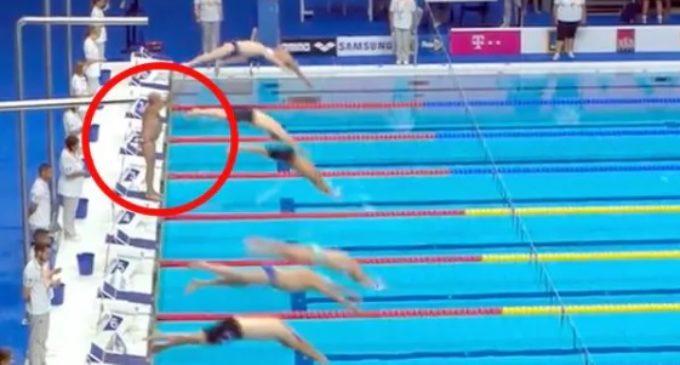 Un nadador español pidió realizar un minuto de silencio, se lo negaron y su reacción conmovió a todos