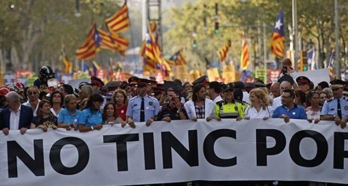 """""""No tinc por"""": Barcelona vuelve a marchar contra el terror yihadista a 9 días del trágico atentado"""