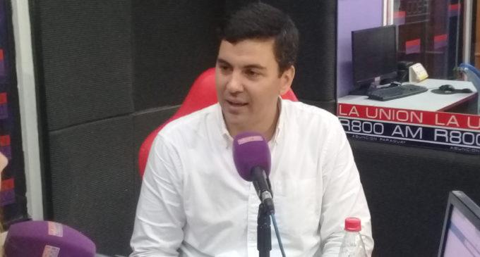 """Santiago Peña: """"Estaba cómodo en el exterior, pero decidí volver a Paraguay y servir a la Patria"""""""