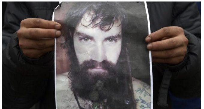 Quién es Santiago Maldonado, el joven cuya desaparición tiene en vilo a la Argentina